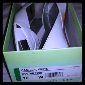 White patent leather shoes 10W